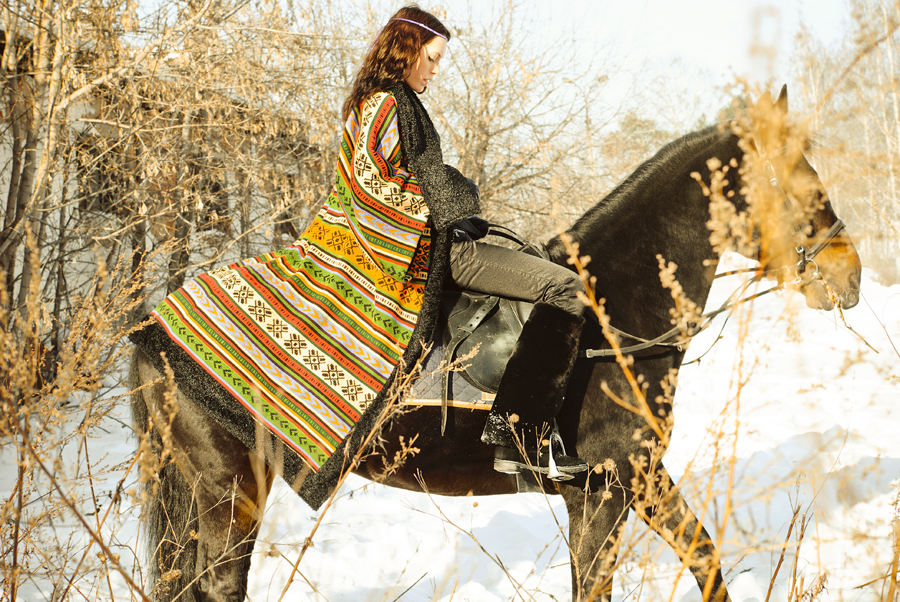 Вы просматриваете изображения у материала: ФОТОпробы. Конная прогулка. Фото Илья Матушкин